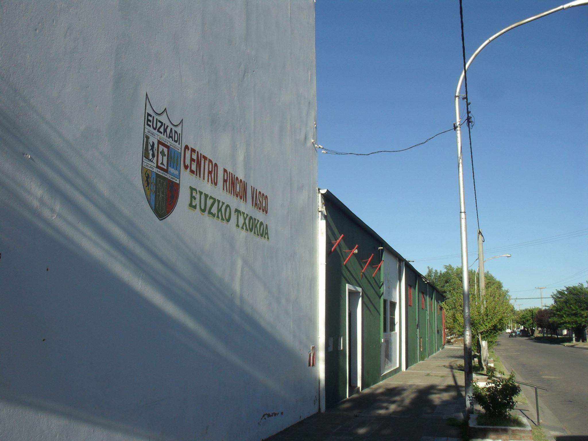Centro vasco Euzko Txokoa de Gral. Acha
