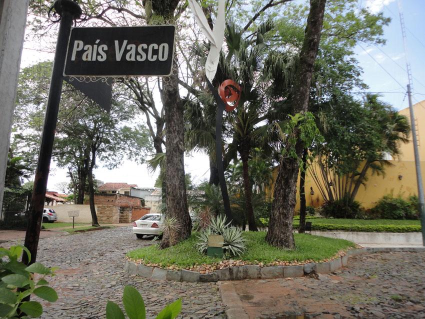 Pais Vasco kalea Paraguaiko hiriburu Asuncionen