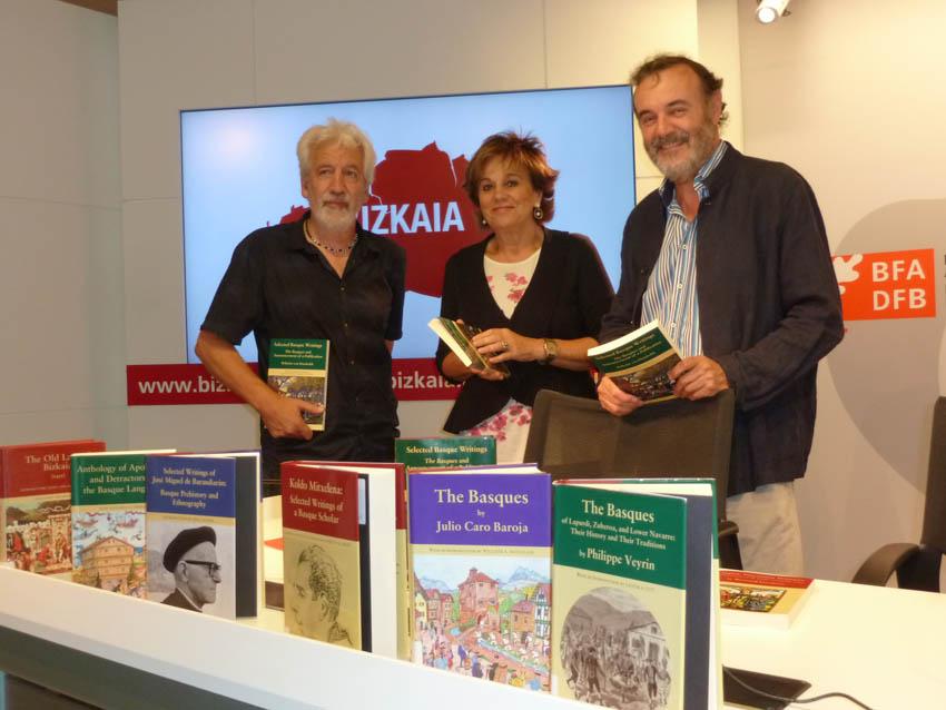 The Regional Government of Bizkaia is aware of the important role played by the Center in Basque cultural diffusion.  Shown here, Joseba Zulaika, Josune Ariztondo and Pello Salaburu.