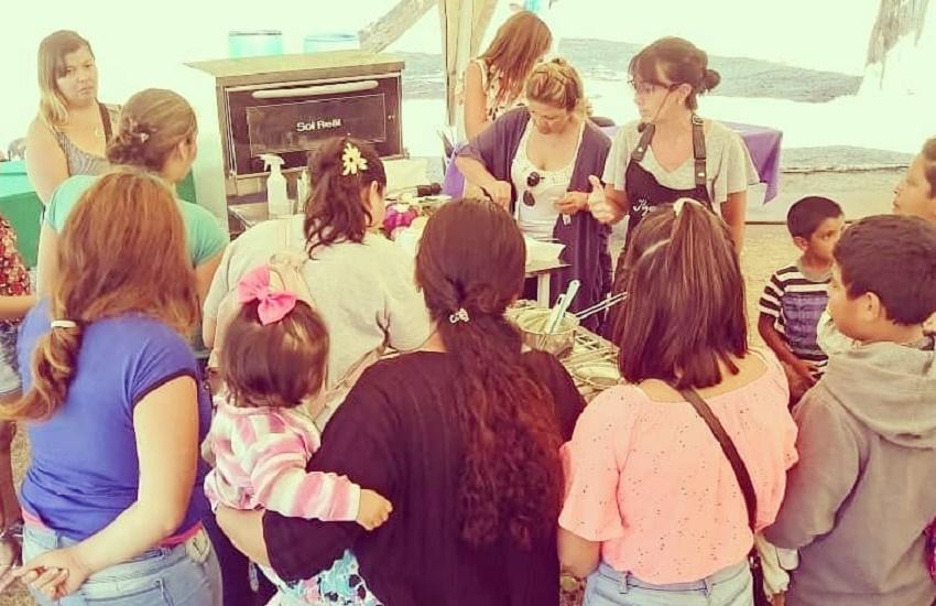 La cocinera Itziar Aguirre ofreció un taller en la presentación de la 'Tarjeta Alimentar'