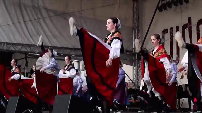 Axular dancers in Germany