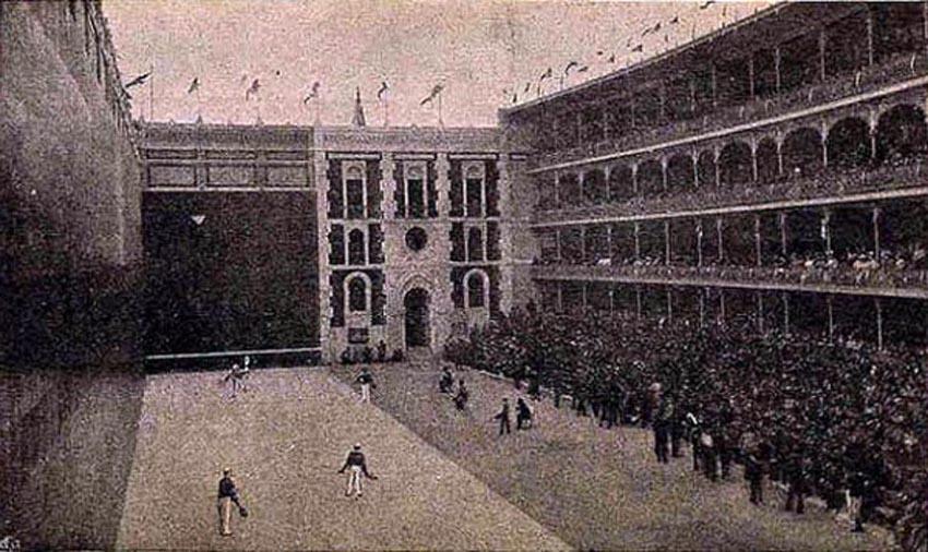 Madrilgo Beti Jai pilotalekua bere urrezko urteetan. Donostian finkatu zen Jose Arana enpresari eskoriatzarrak eraikiarazi zuen 1893an.