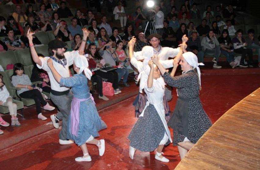 Grupo de Baile Lagun Onak