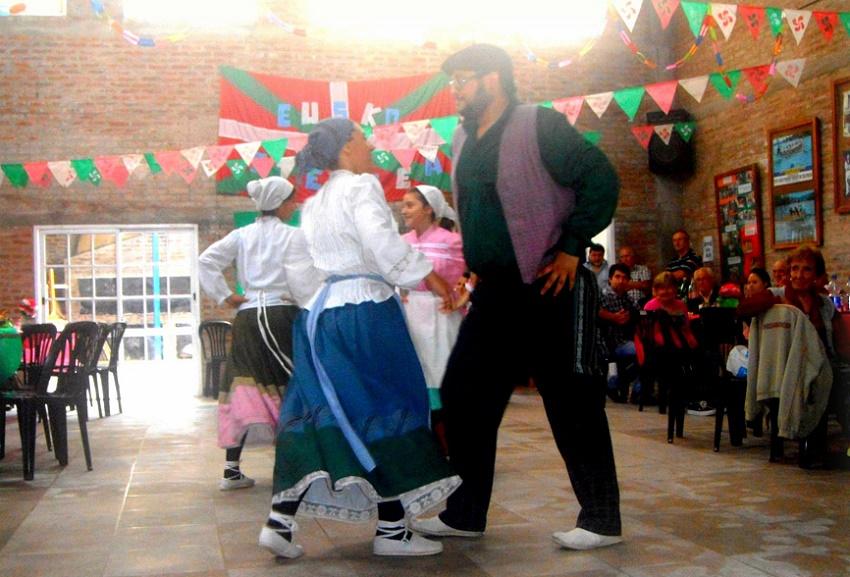 Grupo de Baile Kimu Dantzari Taldea