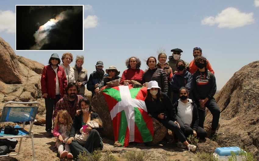 Intengrantes de Baskos de la Confluencia vieron el eclipse total de sol desde la montaña