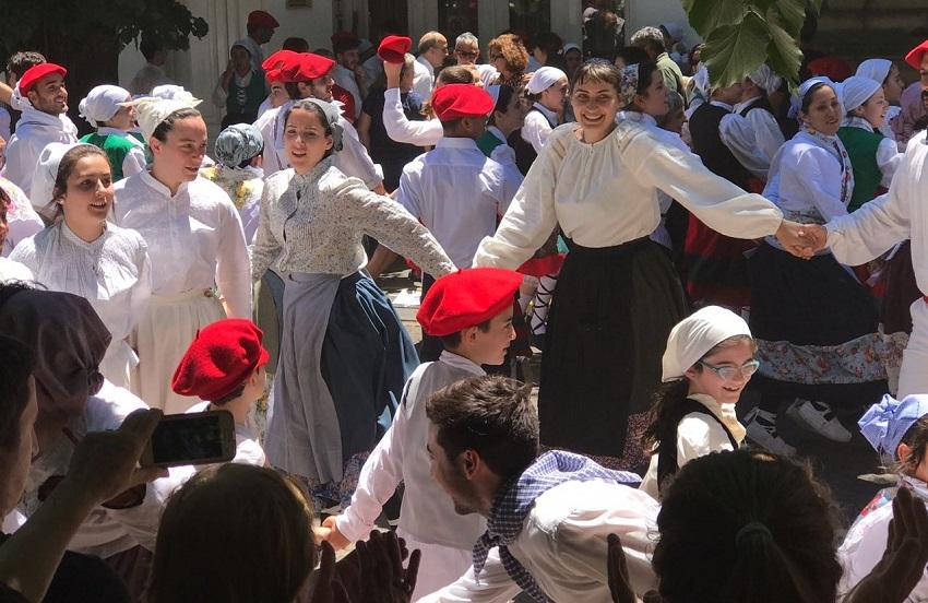 Ekin Dantzari Taldea San Nicolaseko Euskal Astean