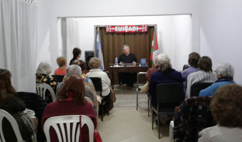 'Hipólito Yrigoyen. Primer centenario de la soberanía popular' liburuaren aurkezpena