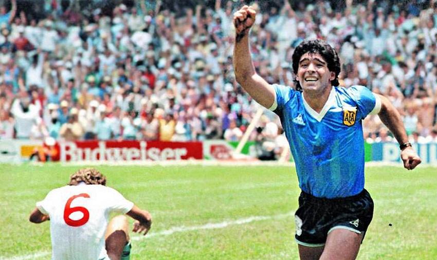La alumna Julieta Gaztañaga pone voz en el video al relato del 'gol a los ingleses' de Diego A. Maradona en el Mundial de México '86