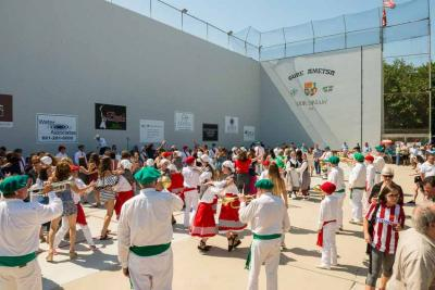 Basque festivals in Bakersfield at the fronton at the Kern County Basque club's faciltiites