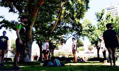 Aitor Alava dantzari arabarra buru duen 'OihanKide Taldea' dantzan, Buenos Airesko Centenario Parkean