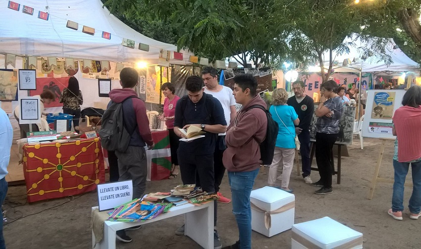 "Basque stand at ""Book Night"""