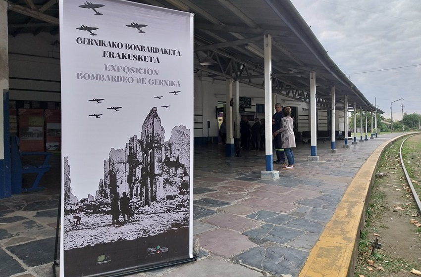 "The ""Bombing of Gernika"" in Chascomus"