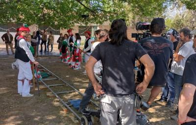 Dantzaris del Denak Bat de Mendoza en la filmación de 'El Vasco'