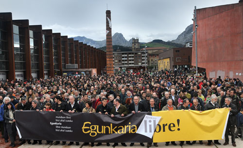 2009 Concentración de apoyo a Egunkaria