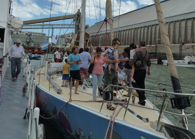 Pakea Bizkaia at Bahia Blanca 2012 - The ship