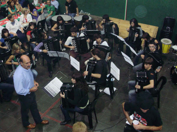 Basque Week - Accordion Band of Aretxabaleta