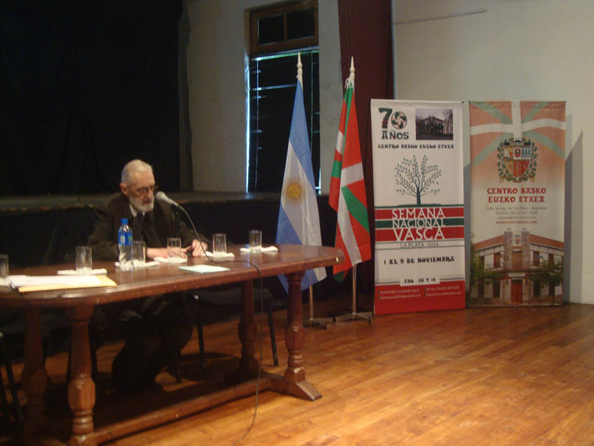 Mikel Ezkerro's lecture on Basques in Argentina