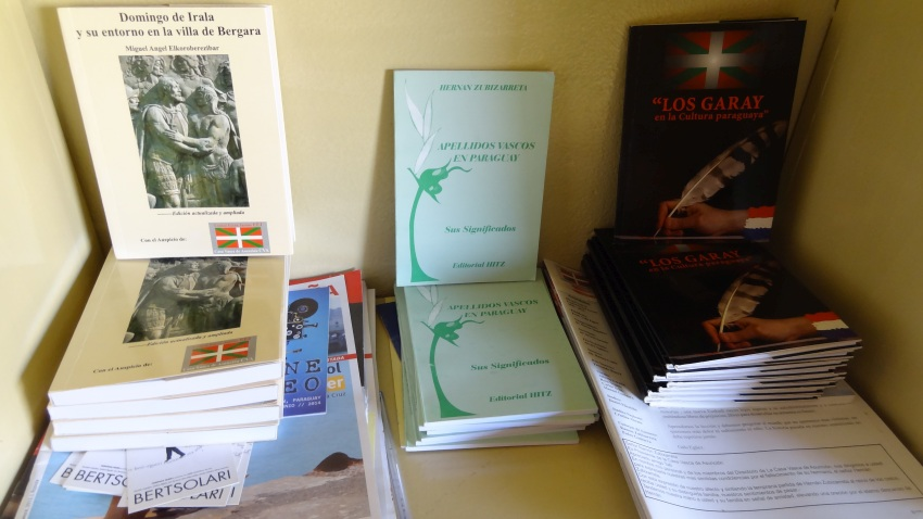 Books published by the Basque Club of Asuncion