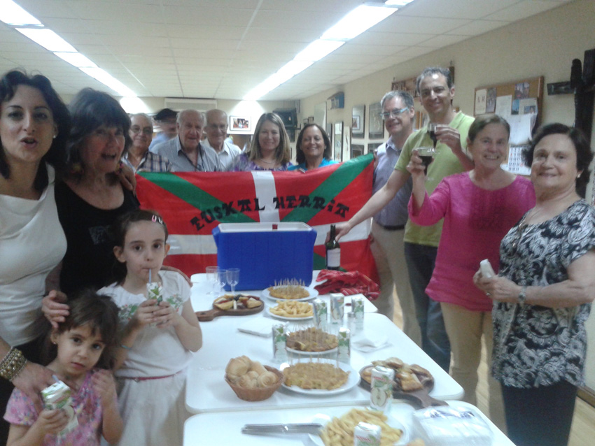 A toast for Basque language in Santiago