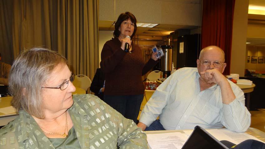 Mayie la delegada de Colorado, Anita y Bob