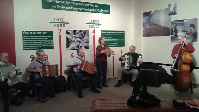 Musikaz blai Basque Museum-en