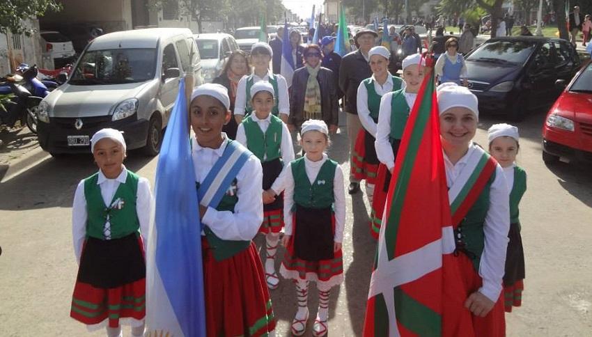 Arrecifeseko desfilea