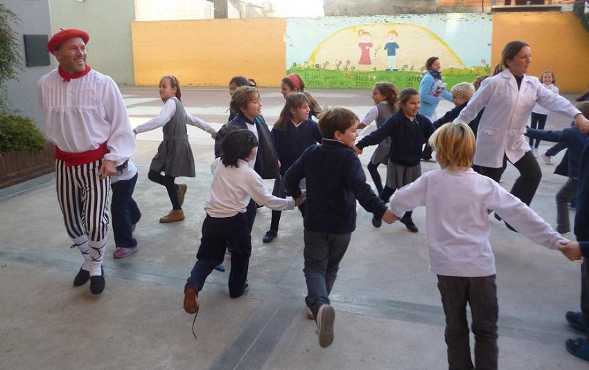 En kalejira, desde el aula hasta el patio