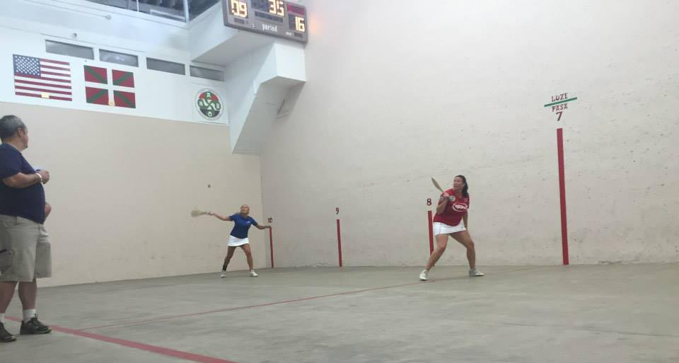 Pilota matches at the Anduiza Fronton