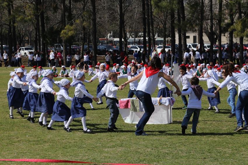 Danzas vascas, el turno de los txikis