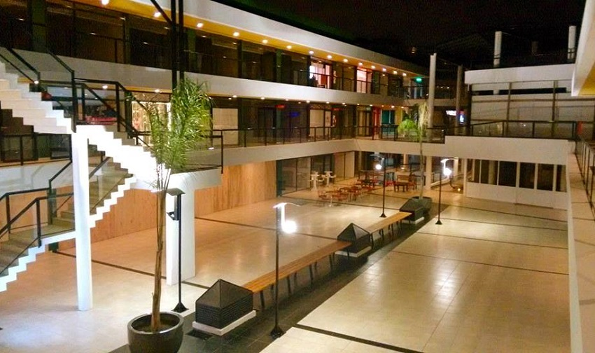El Centro Comercial de noche