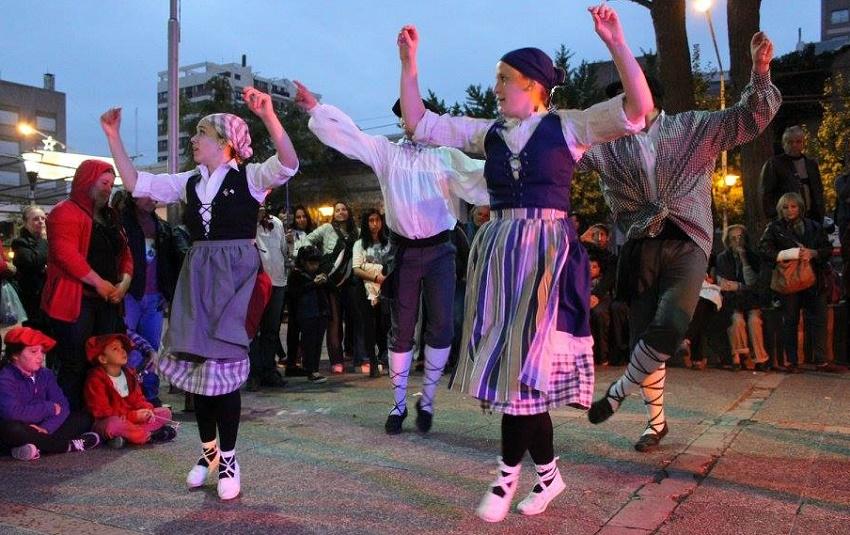Euskal dantzak Neuquengo bihotzean