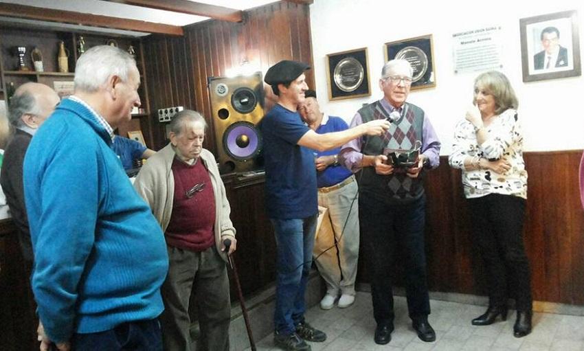 Homenaje a Manolo Arriola