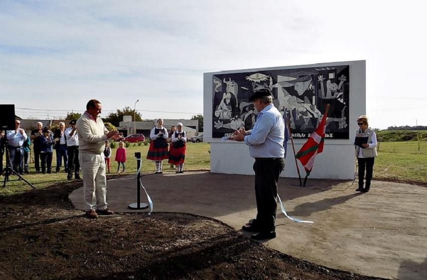 Nuevo mural de Gernika en Tres Arroyos