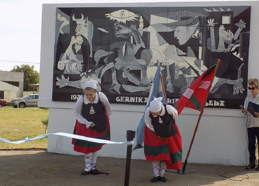 Desde el sábado pasado, la ciudad de Tres Arroyos tiene su Gernika