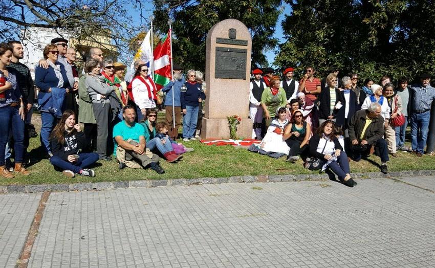 Montevideon FIVUk antolatutako omenaldia