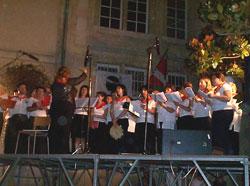 Bestalariak durante su actuación en el escenario de la Place des Basques (foto MaisonDesBasques)
