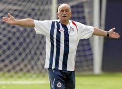 El técnico azpeitiarra Xabier Azkargorta, en su época de entrenador del Chivas mexicano