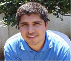 El estudiante e historiador chileno Carlos Fariña, autor de 'La colectividad vasca en Chile...'