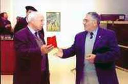 Homenaje y entrega a Roberto Luis Lejarreta Juaristi del reconocimiento el pasado 26 de abril, día del 70 Aniversario del Bombardeo