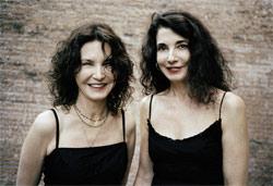 Las hermanas Katia eta Marielle Labèque, dúo de pianistas hendaiesas (argazkia B.Lacombe)