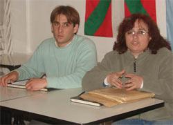 Juan Manuel Echevarria, diruzaina, eta Maria Silvina Bordenave, lehendakaria, batzarra bitartean