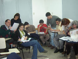 Alumnos y alumnas que recién iniciaron sus clases de Euskera del nivel 1 en la Universidad de Buenos Aires, UBA (foto Euskalkultura.com)