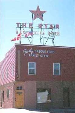 Star Hotela 1910etik da Elkon euskaldunen ostatu (argazkia EuskalKultura.com)