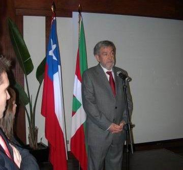 Jose Felix Azurmendi Canal Vascoren aurkezpen ekitaldian (argazkiak EiTB)