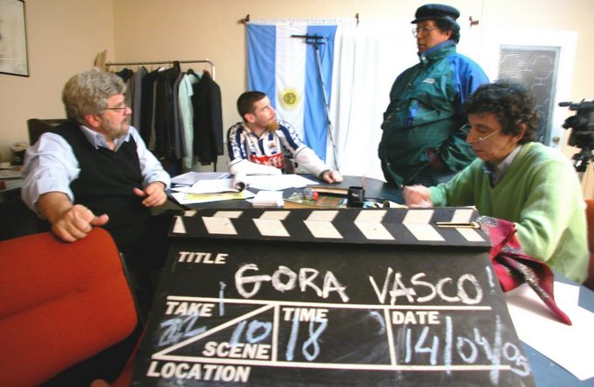 Roberto Arizmendiren 'Gora Vasco' filma proiektatzea eta gai duen Guillermo Larregui 'El Vasco de la carretilla'ri buruzko hitzaldia ematea da proposamenetako bat