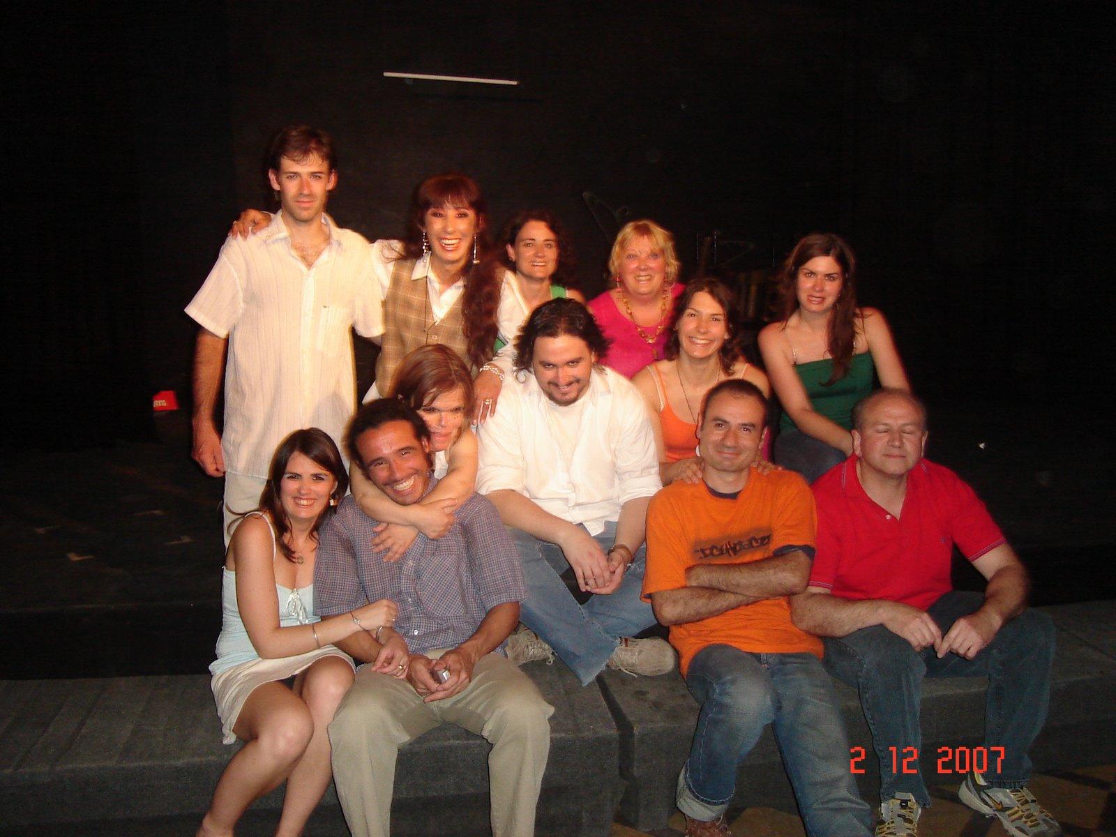 Gure Antzerkiko kideak 2007eko abenduan emanaldi bat egin ostean