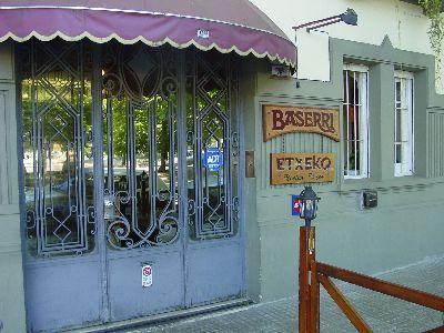 Montevideoko Baserri Etxeko jatetxea (argazkia EuskalKultura.com)