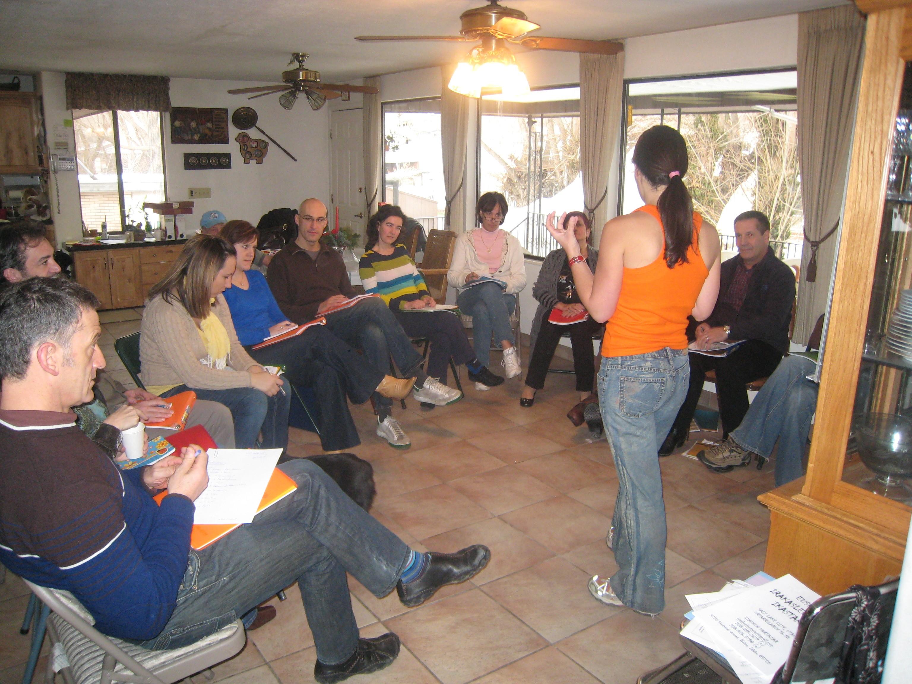 Reunión de irakasles de euskera y responsables de NABO y HABE en Salt Lake City (foto HABE)