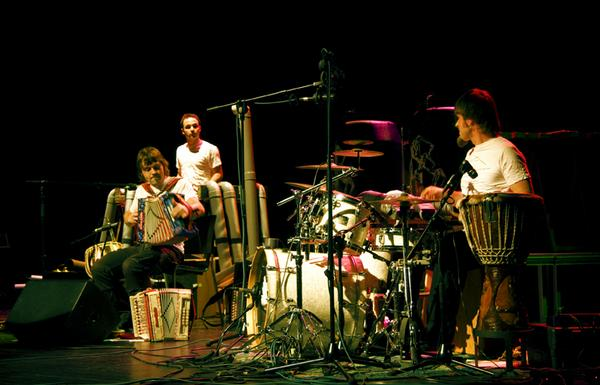 Iñaki Plaza y Ion Garmendia en concierto