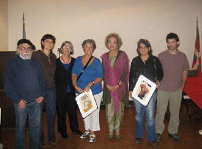 La Delegada Cortajarena en el medio, junto a autoridades de las tres entidades vascas presentes en México 1880